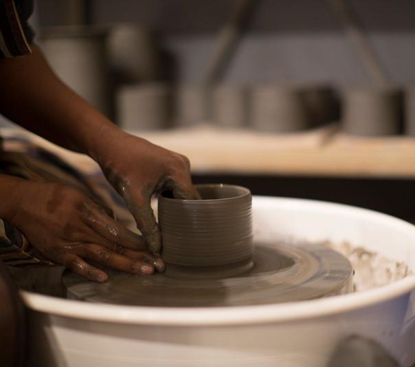 tournage-ceramique-gres-tour-potier