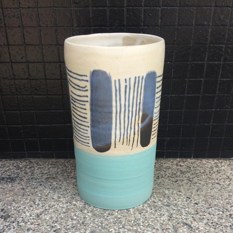 vase-ceramique-bianina-triba-gres-bleu-ciel-face.JPG