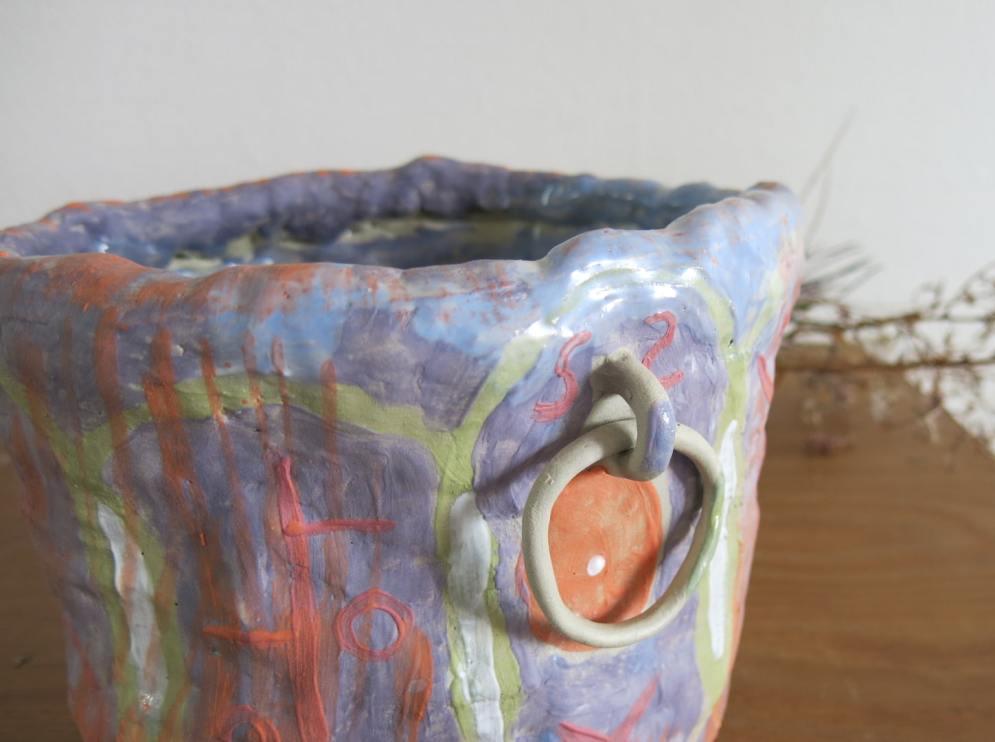 ceramic-pot-arty-design